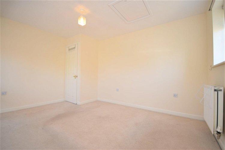 Maisonette Bedroom - Picture 3 of 11