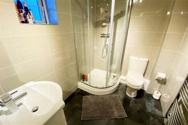 En-Suite Shower Room - Picture 11 of 15