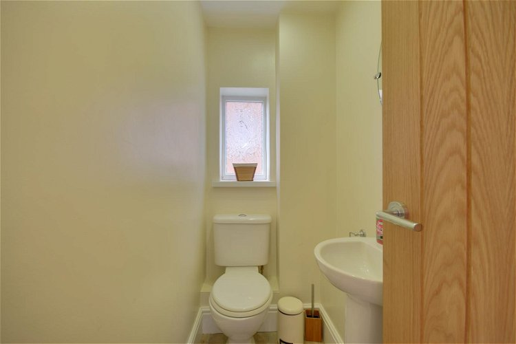 Cloakroom/WC - Picture 7 of 18